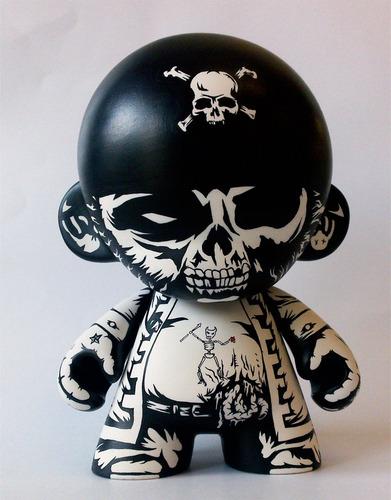 Zombie_pirate-jon-paul_kaiser-munny-trampt-53216m