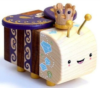 The_queen-lunabee-woodbee-self-produced-trampt-54750m