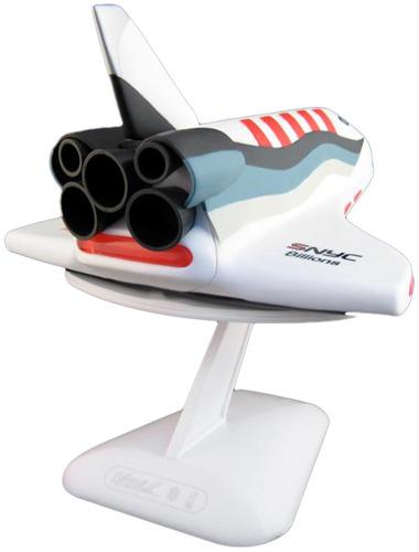 Shuttlemax_-_red-bill_mcmullen-shuttlemax-kidrobot-trampt-55961m