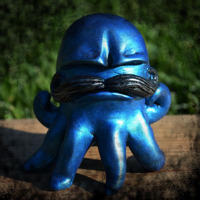 Gus_the_grumpoctopus_-_blue-vanessa_ramirez-vanessa_ramirez_original_sculpt-self-produced-trampt-56390m