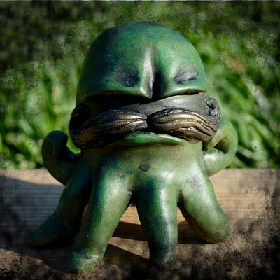 Gus_the_grumpoctopus_-_green-vanessa_ramirez-vanessa_ramirez_original_sculpt-self-produced-trampt-56391m