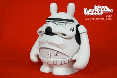 Stormtrooper-stuart_witter-the_dude-trampt-57651m