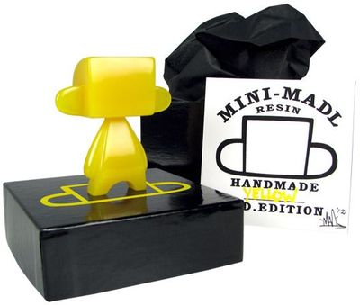 Mini-madl_resin_-_yellow_edition-mad_jeremy_madl-madl_madl-self-produced-trampt-59275m