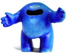 Hug_-blue-blamo_toys_zombiemonkie_mikie_graham-hug-blamo_toys-trampt-60767m