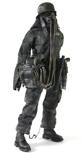Nom27-ashley_wood-nom_de_plume-threea_3a-trampt-61471m