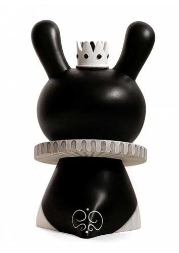 Black_queen-otto_bjornik-dunny-trampt-62284m