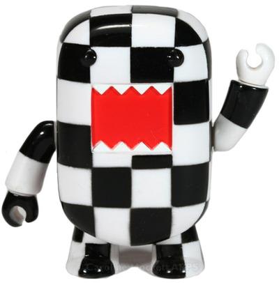 Domo_-_checkerboard-dark_horse-domo_qee-toy2r-trampt-63756m