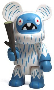 Yeti_qee_-_regular_version-tim_biskup-bear_qee-toy2r-trampt-65457m