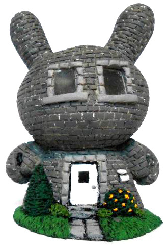Dunny_town_-_grey_brick-task_one-dunny-trampt-66328m