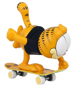 Garfield_-_orange-the_hundreds-garfield-the_loyal_subjects-trampt-66496m