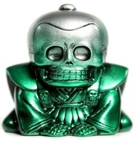 Honesuke_-_silver_and_green-realxhead_mori_katsura_skulltoys-honesuke-realxhead-trampt-70424m