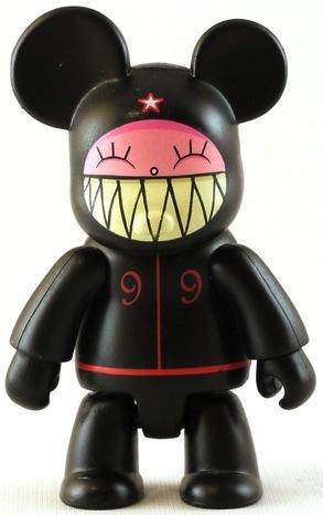 Little_james_-_black-dalek_james_marshall-bear_qee-toy2r-trampt-70747m