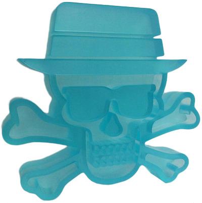 Heisenberg_-_meth_blue-tristan_eaton_julie_b-heisenberg-trampt-71339m