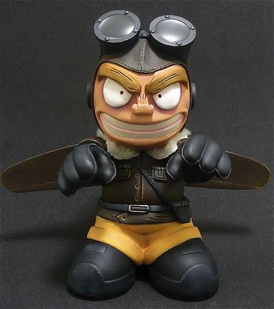 Hell_pilot-edgar_saavedra-kidrobot_mascot-self-produced-trampt-72239m