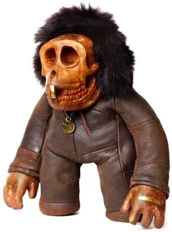 Knuckles_-_ludo_brown-blamo_toys-knuckles-blamo_toys-trampt-72520m