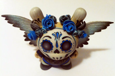 Angel_of_death_3_dotd_dunny-maloapril-dunny_3-kidrobot-trampt-73245m