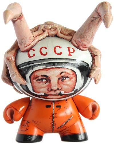 Gagarin_vs_alien-michal_miszta-dunny-kidrobot-trampt-73302m