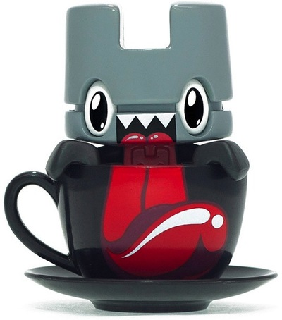 Mini_tea_-_licker-lunartik_matt_jones-lunartik_in_a_cup_of_tea-lunartik_ltd-trampt-73815m
