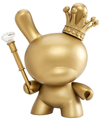 Gold_king_dunny_-_8-tristan_eaton-dunny-kidrobot-trampt-74464m