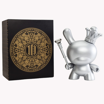 Silver_king_dunny_-_8-tristan_eaton-dunny-kidrobot-trampt-74468m