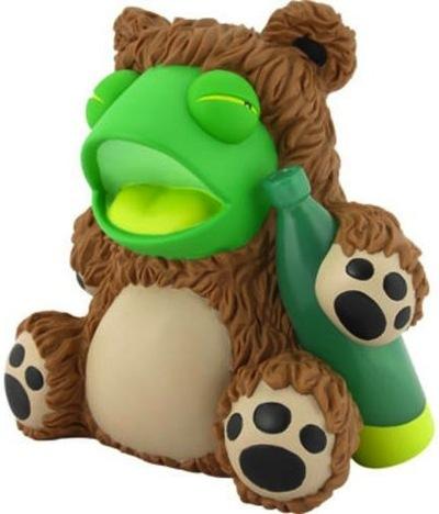 Drunk_frog_in_bear_suit-tnes-drunk_frog_in_bear_suit-kidrobot-trampt-75621m