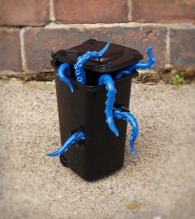 The_kraken_-_blue_edition-adam_whitnall-sculpey-trampt-75701m