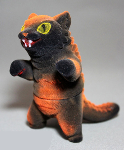Flocked_halloween_negora-mark_nagata-king_negora-max_toy_company-trampt-78957m