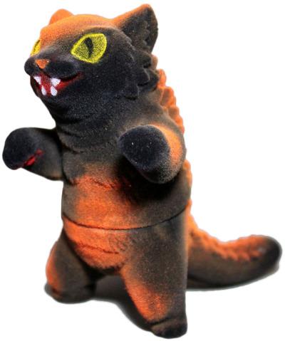 Flocked_halloween_negora-mark_nagata-king_negora-max_toy_company-trampt-78959m