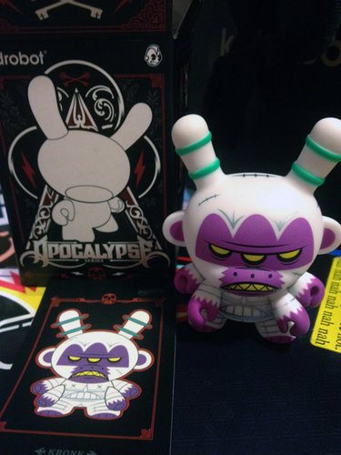 Untitled-kronk-dunny-kidrobot-trampt-79449m