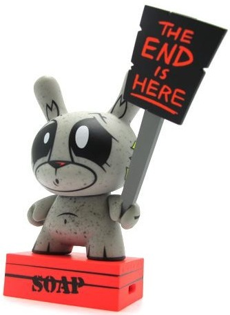 The_end_is_near_-_mono_variant-kronk-dunny-kidrobot-trampt-80068m