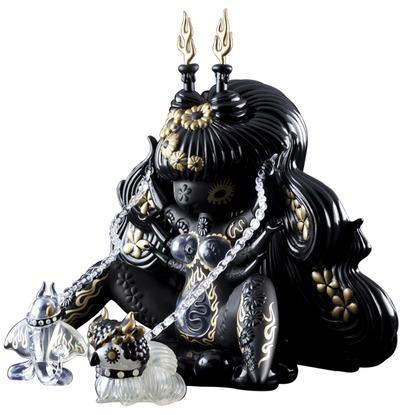 Kuro_megami-junko_mizuno-kuro_megami-kidrobot-trampt-81875m