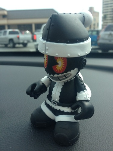Kidhohoho-kidrobot-bots-kidrobot-trampt-82002m