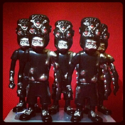 Hrash_out_ian_designer_con_exclusive-coma21-sewer_creep-toys_are_sanity-trampt-82456m