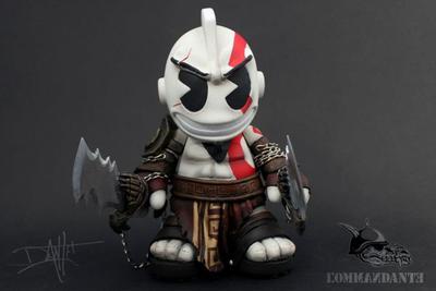 Kidkratos-commandante-kidrobot_mascot-trampt-88935m