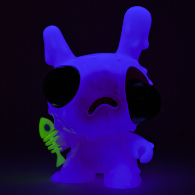 Meltdown_-_pink-chris_ryniak-dunny-kidrobot-trampt-89566m