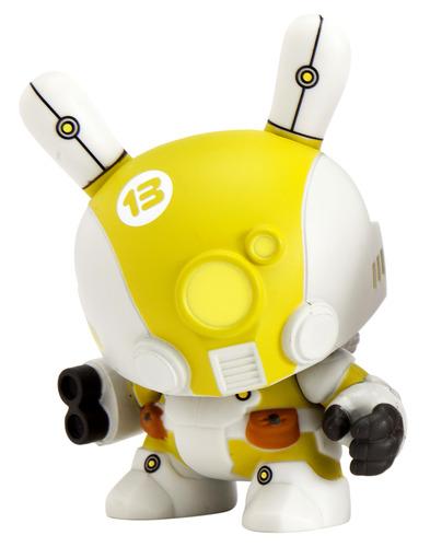 Mecha_trooper_-_yellow-huck_gee-dunny-kidrobot-trampt-91360m