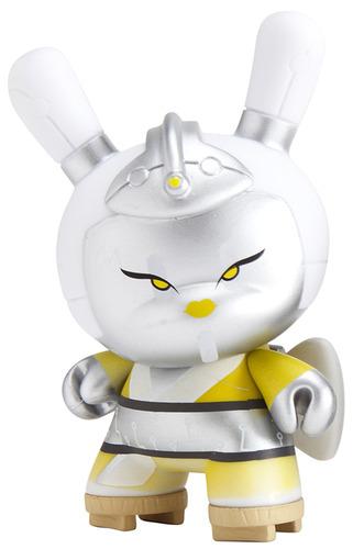 Cyborg_geisha_-_silver-huck_gee-dunny-kidrobot-trampt-91362m