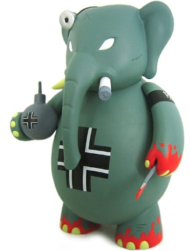 Drbomb_wermacht-frank_kozik-dr_bomb-toy2r-trampt-91520m