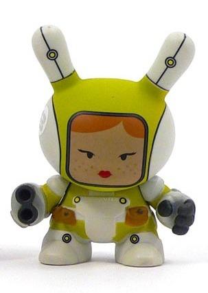 Heavy_trooper_-_yellow-huck_gee-dunny-kidrobot-trampt-91611m