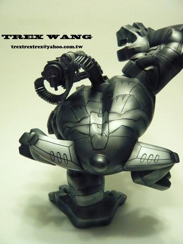 War_machine-trex_wang-paw-trampt-92889m