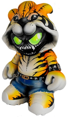 Grrr-fuller_designs-kidrobot_mascot-trampt-92942m