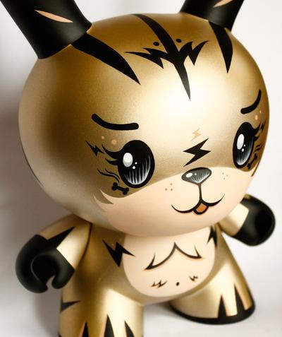 Ken_the_massive_tiger_-_titanium_gold-squink-dunny-trampt-94913m
