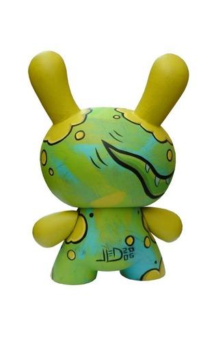 Kittypillar_dunny_custom-joe_ledbetter-dunny-trampt-95046m
