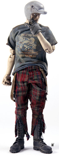 Golden_dolphin-ashley_wood-golden_dolphin-threea_3a-trampt-96561m
