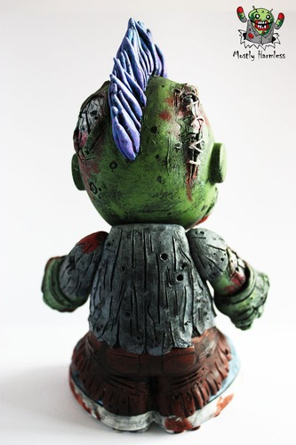 Zombie_mascot-mostly_harmless-kidrobot_mascot-trampt-97138m