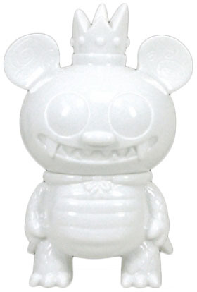 Kaiju_bossy_bear_diy-david_horvath-bossy_bear_kaiju-toy2r-trampt-97197m