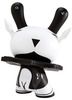 The_hunted-colus-dunny-kidrobot-trampt-97311t