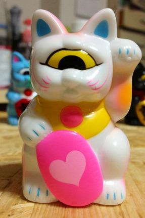 Mini_fortune_cat_-_whitepink_heart-realxhead_mori_katsura-fortune_cat-realxhead-trampt-99024m