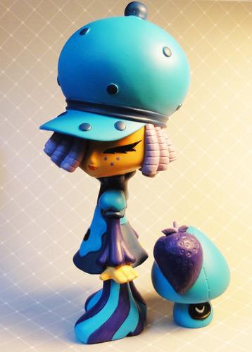 Blue_mama_panya-erick_scarecrow-blue_mama_panya-esc-toy-trampt-101879m