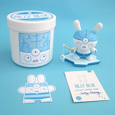 Billy_blue-dolly_oblong-dunny-kidrobot-trampt-101901m
